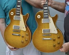 Original Burst (left) (right) Music Guitar, Cool Guitar, 1959 Gibson Les Paul, Les Paul Guitars, Vintage Guitars, The Originals, Yahoo, Shelf, Beautiful