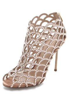 Oh my...  Nia, about to turn 5, just saw these and said she wants for her birthday. Her teens terify me lol
