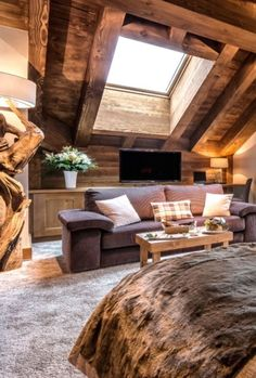 If you are wondering how a log house will look like, today, just for you, we prepared a collection of log decor ideas. So, Get Into The Log Houses Wonderland Collection and share your experience with us.