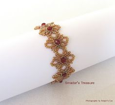 Round Lace Bracelet ~ Free Pattern