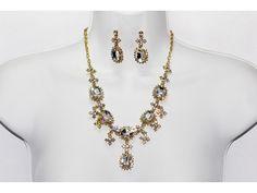 Conjunto Elegante Oro y Piedras Cristal con Aretes