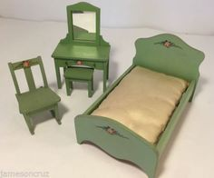 Antique-1920s-RARE-Wisconsin-Toy-Company-Goldilocks-Bedroom-Set-Green-Cottage