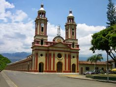 Ginebra - ValledelCauca - #Colombia San Francisco Ferry, Notre Dame, Building, Travel, Geneva, Cities, Viajes, Buildings, Destinations