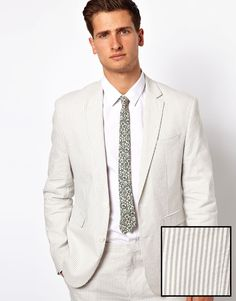 I think I just found the ultimate summer blazer. Also I'm a sucker for seersucker. http://rstyle.me/~IPbI