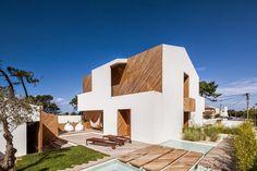 SilverWoodHouse / Arquitecto Ernesto Pereira http://www.arquitexs.com/2015/03/silverwoodhouse-arquitecto-ernesto.html
