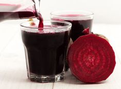 Beet kvass is a Russian fermented drink with many benefits for your overall wellbeing. Use my beet kvass homemade recipe and make it at home. How To Make Beets, Food To Make, Beet Kvass, Kebab, Juicing Benefits, Health Benefits, Juice Fast, Melaleuca, Fermented Foods