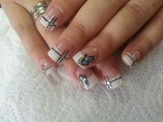 Looking for new nail art ideas for your short nails recently? These are awesome designs you can realistically accomplish–or at least ideas you can modify for your own nails! New Nail Art, Cool Nail Art, Short Nail Designs, Cool Designs, Types Of Nails, Creative Nails, Mani Pedi, Short Nails, Cute Nails