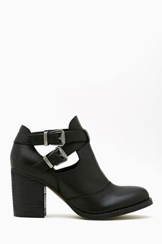 Flux Buckled Boot - In all seriousness, i want these super bad.