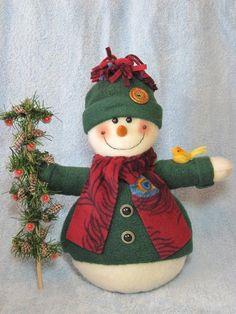 "Items similar to Snowman pattern: ""A Little Bird Told Me"" - on Etsy Sock Snowman Craft, Make A Snowman, Sock Crafts, Cute Snowman, Snowman Crafts, Holiday Crafts, Felt Christmas, Christmas Ornaments, Sock Toys"