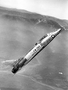 North American F-100A (S/N 52-5760, fifth production -A model) at a 45-degree climb.