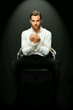 Chris Pine Cue the dirty thoughts