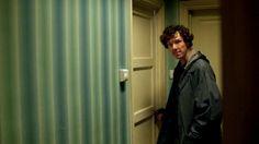 BBC Sherlock's production designer Arwel Wyn Jones loves wallpaper. Anyone who has ever seen an episode of Sherlock can attest to that. Many of the wallpaper designs Arwel used on the show have been. Martin Freeman, Sherlock Bbc, Benedict Cumberbatch, Sherlock Wallpaper, Shotgun Wedding, Acceptance Speech, 221b Baker Street, Love Wallpaper, Gq