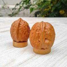 Walnut Salt and Pepper Shakers by NoVeto on Etsy