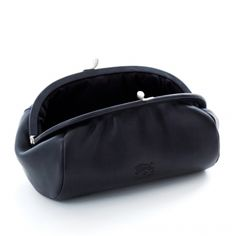 Makeup bag LULU color: Black - Il Bisonte Oh, how I wish I hadn't lost you on a plane... sadness.