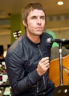 Liam Gallagher Photos - Liam Gallagher and his band 'Beady Eye' perform at the HMV in Glasgow. - Liam Gallagher Performs in Glasgow Teen Boy Hairstyles, Funky Hairstyles, Haircuts For Men, Formal Hairstyles, Mullet Haircut, Mullet Hairstyle, Hairstyle Men, Long Curly Hair, Curly Hair Styles