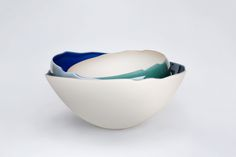 Stacked porcelain bowls held together with jewel-hued glazes, by Fukumoto Fuku. 月影 — Tsukikage 2012  ø53 x h27cm