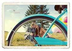 I love the way they used the bike in this e-session