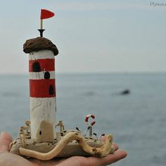 Маяк на островке,сделан полностью из дрейфуюшего дерева,просоленого морской водой и высушенного на солнце,собранного на побережье Черного моря Свободен!! ~~~~~ Р-р 11*15 см ~~~~~ 1400 р. Доставка по России бесплатно! ~~~~~ #дрифтвуд_сочи #дрифтвуд_маяк #driftwoodart #driftwood #wood #остров #черноеморе #сочи #ручнаяработа #handmadesochi #handmade #морскойстиль #экодекор #эко #природныйматериал #море #lighthouse #wow_handmade_mastera