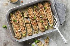 Gefüllte Zucchetti - Rezepte | fooby.ch Risotto, Zucchini, Feta, Ground Meat, Kid Cooking, Peppermint, Good To Know, Easy Meals, Rezepte
