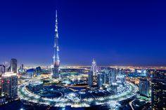 Book the world's top Burj Khalifa tickets online. Burj Khalifa is a mega tall skyscraper in Dubai. Dubai Hotel, Dubai City, Dubai Uae, Dubai Trip, Visit Dubai, Dubai Golf, Terrazo, Whatsapp Messenger, World Trade Center