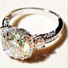 Love how the diamond is circle shaped