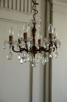 輝くアンティークシャンデリア アンティーク 照明 シャンデリア ランプ インテリア フレンチ フランス antique interior lighting