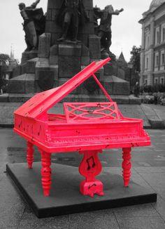 pink piano ♥