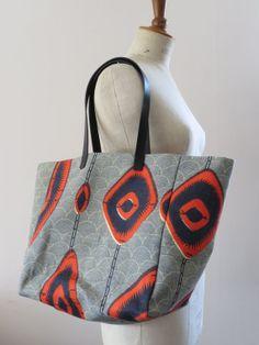 Oversize weekend tote bag beach bag canvas tote Red by OsbelkAndCo, Handmade Handbags, Handmade Bags, African Accessories, Fashion Accessories, Ankara Bags, Creative Bag, Diy Sac, Weekender Tote, Printed Bags
