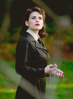 Hayley atwell agent peggy carter agents of shield, marvel dc comics, marvel avengers, Hayley Atwell, Marvel Dc Comics, Marvel Avengers, Chris Evans, Marvel Universe, Iron Man, Look Retro, And Peggy, Marvel Women