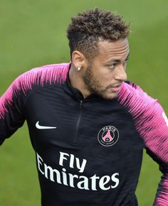 Neymar Psg, Neymar Brazil, Football Is Life, Funny Times, Best Player, Soccer Players, Fc Barcelona, Athletes, Tutu