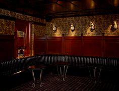 Whiskey Lounge - black leather, tartan rug