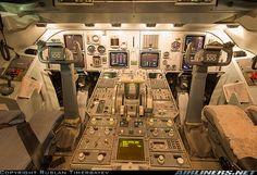 Fokker 100 (F-28-0100) cockpit