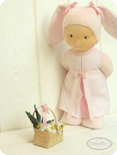 Anna - Poupée Waldorf - lapin