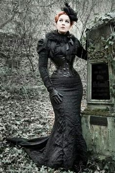 Steampunk Neo-Victorian Mourning Dress (black brocade fishtail skirt with train, underbust corset, fur wrap, fascinator, black gloves) Gothic Victorian/Steamgoth fashion Gothic Outfits, Gothic Dress, Gothic Lolita, Gothic Corset, Black Corset, Neo Victorian, Victorian Fashion, Victorian Gothic Clothing, Victorian Gothic Wedding
