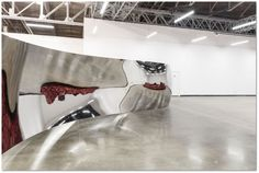 """S-Curve, 2006  Stainless steel  216.5 x 975.4 x 121.9 cm  Photo: Joshua White  ©Anish Kapoor, 2015  """"Anish Kapoor: My Red Homeland"""" is at the Jewish Museum and Tolerance Center in Moscow until January 17, 2016"""
