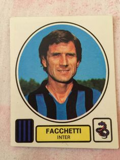 Giacinto Facchetti  Figurina Album Panini: 1977/78   www.bauscia.it Football Stickers, Football Cards, Football Players, Baseball Cards, Panini, Vintage Cards, Palermo, Milan, Number