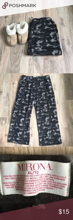 Camo Fleece Pants Soft, cozy, and ultra comfortable camo sweatpants. 100% polyester. Drawstring waist. Perfect condition. No stains, snags, holes etc. 🚭non smoking home Merona Pants Sweatpants & Joggers