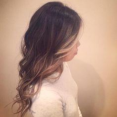 Beautiful balayage by @jessicalakishair  #yeghair #yeg #edmonton #headlinessalonspa #greatday #balayage #longhair #curls #hair #hairstylist #aveda #avedacolor