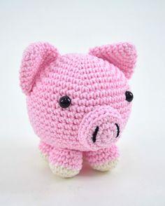 Mesmerizing Crochet an Amigurumi Rabbit Ideas. Lovely Crochet an Amigurumi Rabbit Ideas. Crochet Pig, Crochet Mignon, Crochet Patterns Amigurumi, Cute Crochet, Amigurumi Doll, Crochet Animals, Crochet Dolls, Knitting Patterns, Crocheted Toys