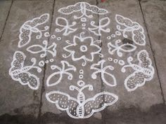 Rangoli designs/Kolam: S. Simple Flower Rangoli, Rangoli Designs Flower, Rangoli Patterns, Rangoli Designs Images, Rangoli Ideas, Rangoli Designs Diwali, Rangoli Designs With Dots, Rangoli With Dots, Beautiful Rangoli Designs