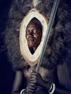 ジミー・ネルソン(Jimmy Nelson) > BEFORE THEY PASS AWAY(http://www.beforethey.com/) >  (彼らが消えて行く前に) > 少数民族の文化を記録したプロジェクト > マサイ (ケニア-タンザニア)