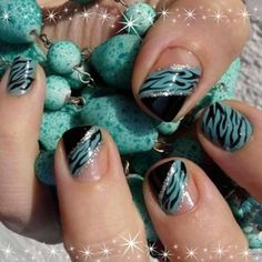 Easy Fashionable New Years 2013 Nail Art Designs To Master will turn your nails into real jewelries. Easy Fashionable New Years 2013 Nail Art Designs To Master are easy yet stylish. Zebra Nails, Teal Nails, New Year's Nails, Love Nails, Fun Nails, Black Nails, Ombre Nail, Diy Ombre, Silver Nails