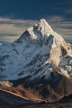 This Is What It Looks Like To Summit Mount Everest Alone Snowboarden Mountain Images, Mountain Pictures, Snow Mountain, Mountain Photography, Nature Photography, Photography Tips, Monte Everest, Climbing Everest, Natural Structures