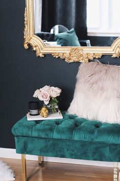 Design Ideas: Style Your Space with Accent Seating Alternatives 2019 masculine glam The post Design Ideas: Style Your Space with Accent Seating Alternatives 2019 appeared first on Apartment Diy. Glam Bedroom, Bedroom Green, Cozy Bedroom, Bedroom Ideas, Master Bedroom, Casa Rock, Interior Design Living Room, Living Room Decor, Living Rooms