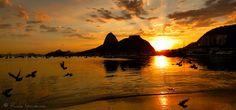 Amanhecer na Enseada de Botafogo.