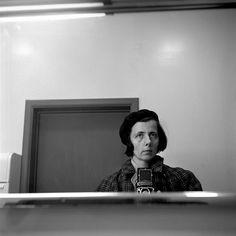 Vivian Maier/self-portrait