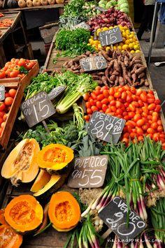 El mercado de los campesinos en Montevideo Uruguay.