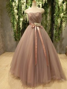 Pin on ウエディングドレス Indian Fashion, Womens Fashion, Dress Indian Style, Colored Wedding Dresses, Prom Dresses, Formal Dresses, Ball Gowns, Fashion Dresses, Couture