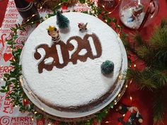 Vasilopita Cake, Christmas Bulbs, Merry Christmas, New Year's Cake, Greek Cooking, Christmas Cooking, Christmas Recipes, New Years Eve, Diy And Crafts