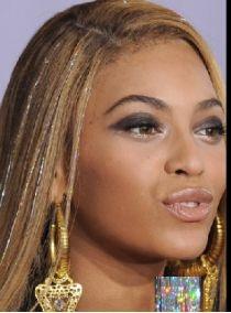 Beyonce blonde hair color ideas in 2018 color Source by haarfarben Gold Hair, Silver Hair, Color Fantasia, Hair Tinsel, Biracial Hair, Fairy Hair, Unicorn Hair, How To Make Hair, Celebrity Hairstyles